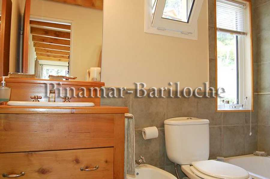 Casa En Alquiler Con Vista Al Lago En Bariloche – 696