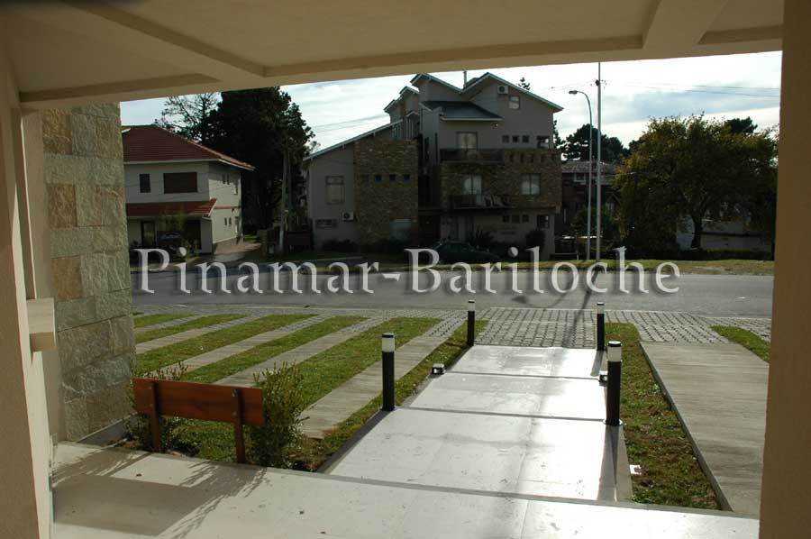 Departamento En Alquiler En Pinamar Con Servicios – Centro – 772