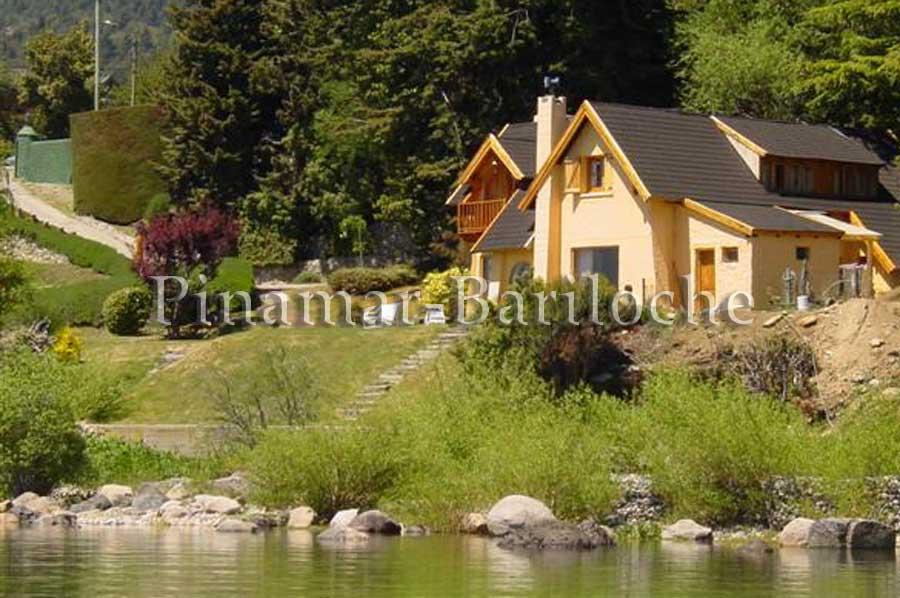 Casa Con Costa De Lago Barrio Melipa – 893