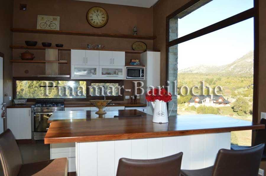 Alquileres En Bariloche – Casa Barrio Villa Arelaunquen – 969