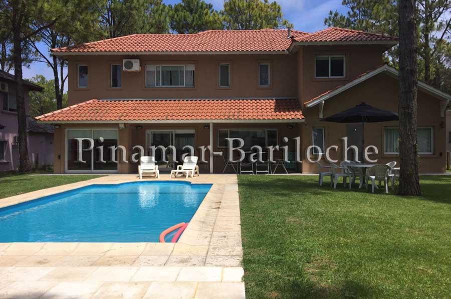 Casa En Venta En Pinamar – Frontera – Pileta Climatizada – 848