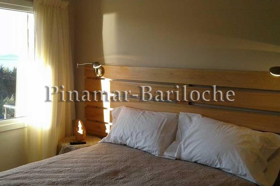 Bariloche Alquileres – Departamento Con Vista Al Lago – 1077