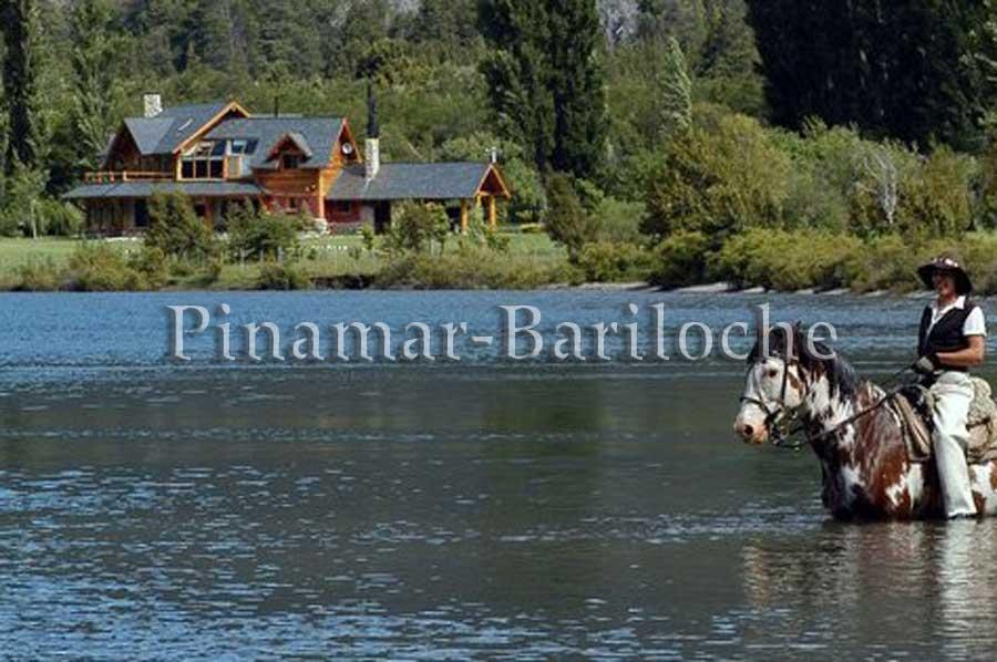 Cabaña Dentro De Predio Con Servicios – Lago Gutierrez – 1124