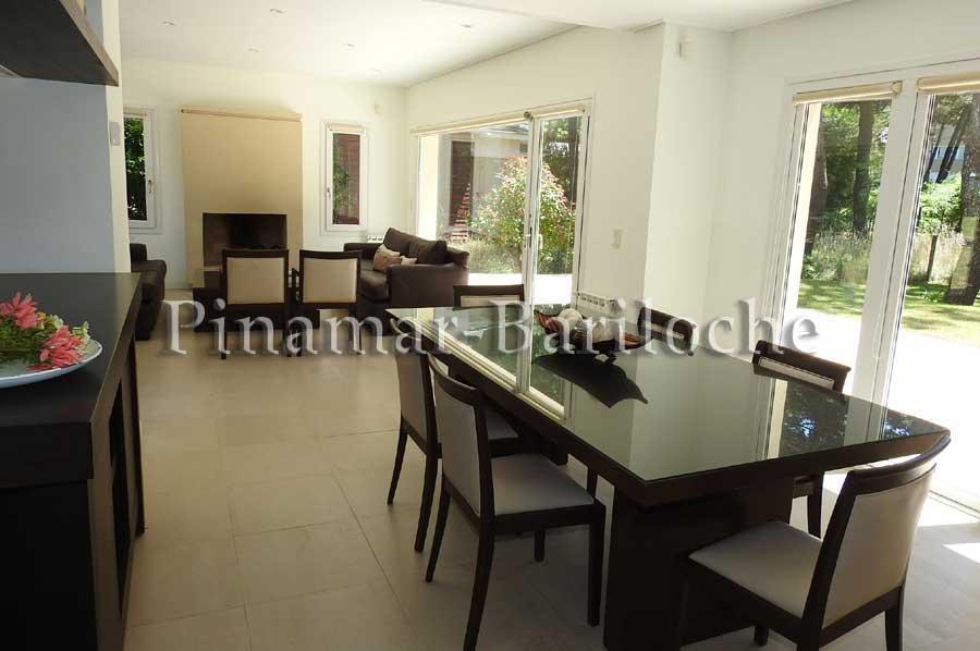 Casa En Alquiler Zona Frontera Con 4 Dorm Y Cochera -1117