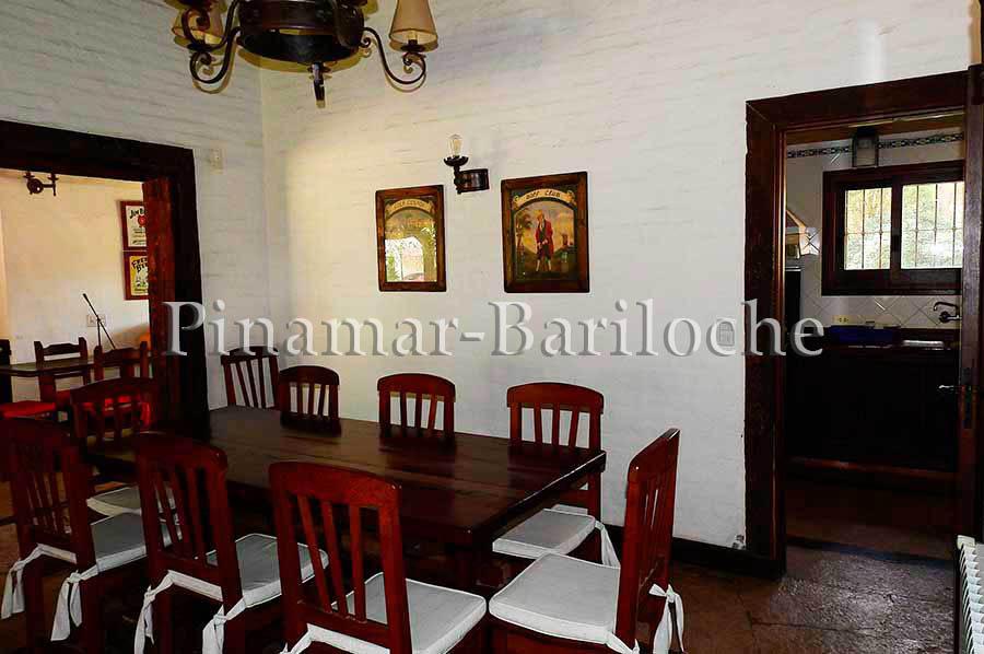 dueño vende en carilo dueño directo, oportunidad 6 dormitorios y departamentos de 2 amb.
