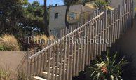 moderna propiedad en venta en pinamar con pileta en zona frontera