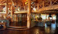 casa en venta en bariloche con 6 dormitorios y dep con pileta y costa de lago